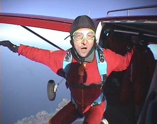 http://www.ohg82er.de/bilder/JoergWagner/skydive/Korsika2002Clip14.jpg