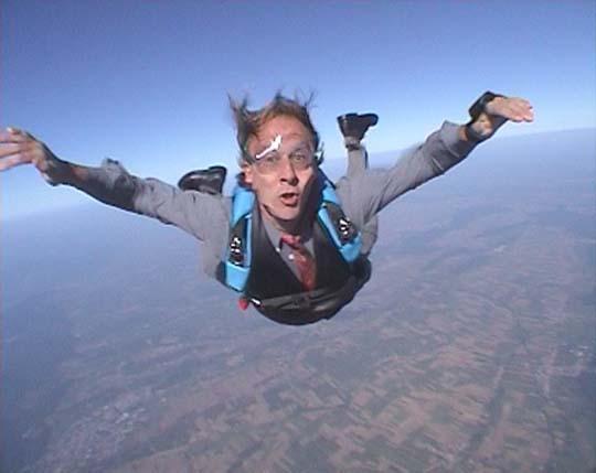 http://www.ohg82er.de/bilder/JoergWagner/skydive/Schlips07.jpg