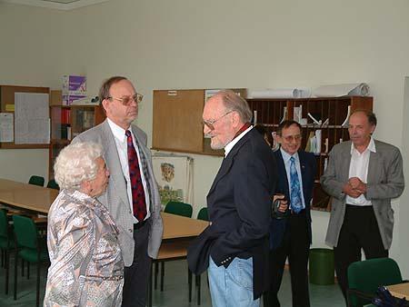 http://www.ohg82er.de/bilder/ThomasMalburg/Klassentreffen2002/DSCF0009.jpg