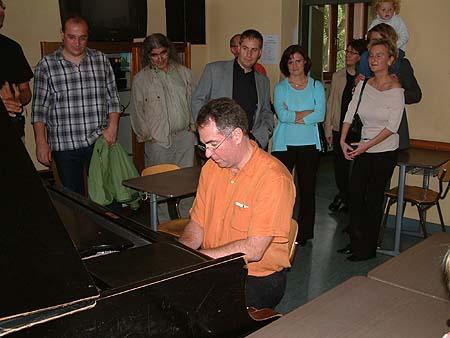 http://www.ohg82er.de/bilder/ThomasMalburg/Klassentreffen2002/DSCF0039.jpg