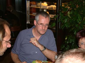 http://www.ohg82er.de/bilder/ThomasMalburg/Klassentreffen2003/46.jpg